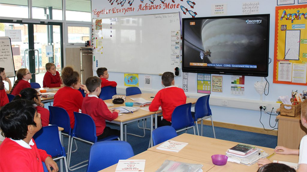 Move learning beyond the classroom walls with Discovery Education Espresso News